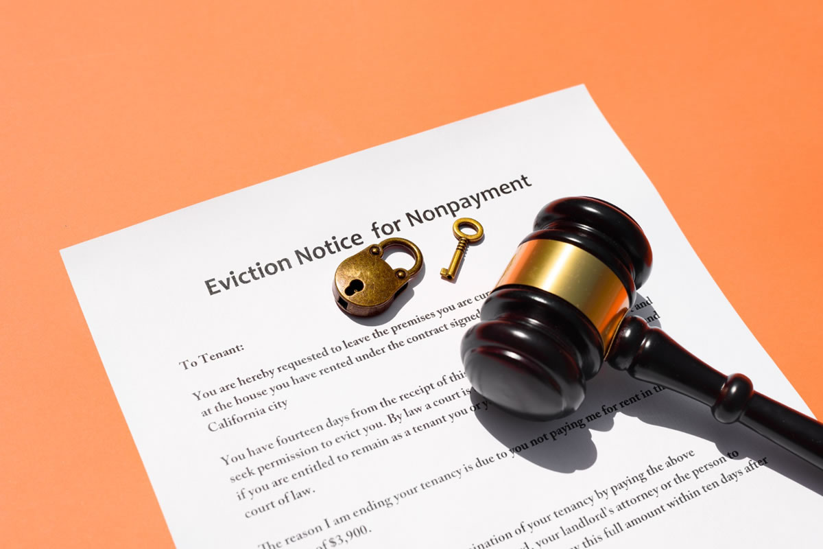 Why You Should Consider Hiring a Process Server for Your Eviction Notices